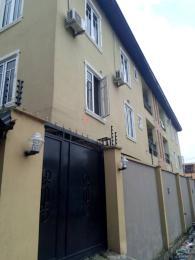 3 bedroom Blocks of Flats House for rent Ayoade Street off bajulaye  Shomolu Shomolu Lagos