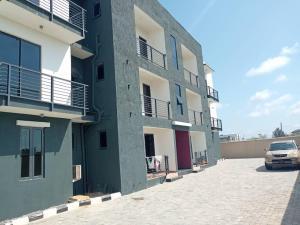 3 bedroom Blocks of Flats House for sale ELEGUSHI OFF KUSENLA ROAD. Ikate Lekki Lagos