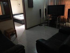 1 bedroom mini flat  Mini flat Flat / Apartment for rent Olanrewaju Estate Jibowu Yaba Lagos