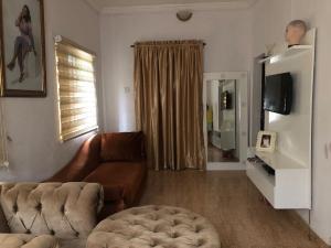 1 bedroom mini flat  Mini flat Flat / Apartment for rent Ajao Road Ogunlana Surulere Lagos
