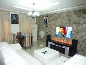 3 bedroom Flat / Apartment for sale Alagomeji Alagomeji Yaba Lagos - 8