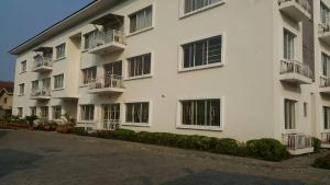 4 bedroom Flat / Apartment for rent LEKKI PHASE 1 Lagos