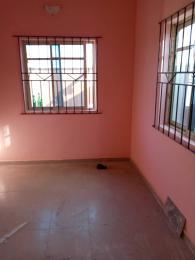 2 bedroom House for rent Close to iyana oworosoki Bariga Shomolu Lagos