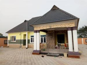 3 bedroom Detached Bungalow House for sale along overcomers Avu  Owerri Imo