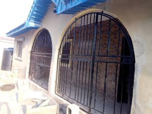 3 bedroom Flat / Apartment for rent Oke Ominira Area Akala Express Ibadan Oyo