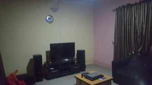 1 bedroom mini flat  Self Contain Flat / Apartment for rent Behind 1st Laurel Hotel Soka Ibadan Oyo