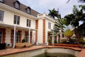 9 bedroom House for sale - Akin Adesola Victoria Island Lagos