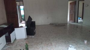 3 bedroom Flat / Apartment for rent Iwaya axis  Iwaya Yaba Lagos