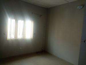3 bedroom Flat / Apartment for rent Close to oredola axis  Fola Agoro Yaba Lagos