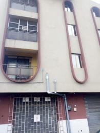3 bedroom Flat / Apartment for rent Abiodun axis  Shomolu Shomolu Lagos