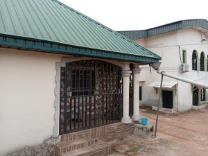 3 bedroom Blocks of Flats House for sale Lucky way off Ikpoba hill off Upper mission extension Oredo Edo
