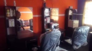2 bedroom Shop Commercial Property for rent No gate Ibadan  Agodi Ibadan Oyo