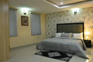 1 bedroom mini flat  Studio Apartment Flat / Apartment for shortlet Bashiru Shittu Street Magodo GRA Phase 2 Kosofe/Ikosi Lagos