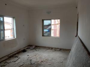 Self Contain Flat / Apartment for rent Off Morris  Abule-Oja Yaba Lagos