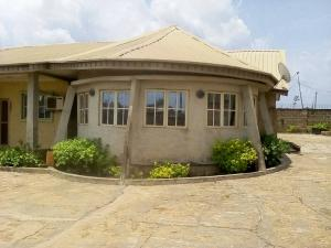 4 bedroom Semi Detached Bungalow House for sale Ile tuntun, Jericho Extension Jericho Ibadan Oyo