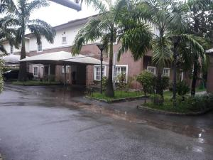 4 bedroom Semi Detached Duplex House for rent Jabi district; Jabi Abuja