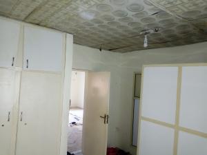 3 bedroom Flat / Apartment for rent Femi adebule Fola Agoro Yaba Lagos