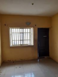 2 bedroom Flat / Apartment for rent Pedro road  (famous bus stop axis ) Palmgroove Shomolu Lagos