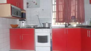 2 bedroom Blocks of Flats House for sale Ijesha Surulere Lagos