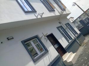 1 bedroom mini flat  Shared Apartment Flat / Apartment for rent Beside Shoprite Osapa london Lekki Lagos