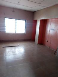 3 bedroom Flat / Apartment for rent Close to the bus stop Oworonshoki Gbagada Lagos