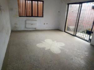 3 bedroom Flat / Apartment for rent Close to car wash Oworonshoki Gbagada Lagos
