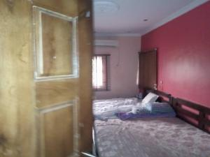 2 bedroom Flat / Apartment for rent Obanikoro Ikorodu road(Ilupeju) Ilupeju Lagos