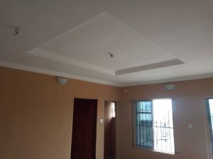 2 bedroom Flat / Apartment for rent Apata axis  Onipanu Shomolu Lagos