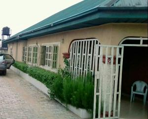 3 bedroom Co working space for sale Medium Estate phase 4, Ogba Lagos. OGBA GRA Ogba Lagos