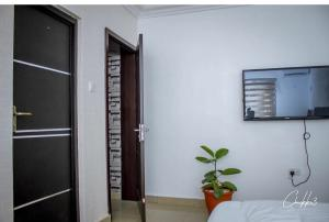 1 bedroom mini flat  Flat / Apartment for shortlet Omorire Johnson Lekki Phase 1 Lekki Lagos