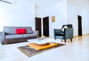3 bedroom Shared Apartment Flat / Apartment for shortlet Lakowe Golf and Lakes Lakowe Ajah Lagos