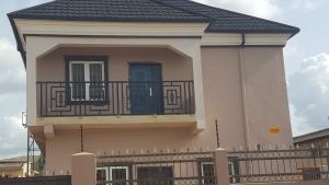 2 bedroom Flat / Apartment for rent yusffu  Mafoluku Oshodi Lagos