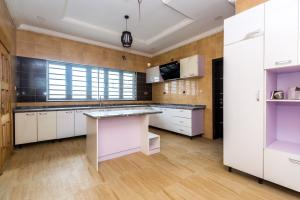 5 bedroom Detached Duplex House for sale Lekky County Homes (Megamound Estate) Ikota Lekki Lagos