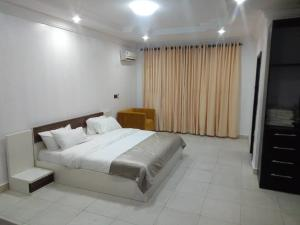3 bedroom Flat / Apartment for shortlet Ondo Street Banana Island Ikoyi Lagos