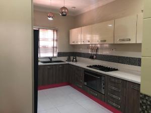 3 bedroom Terraced Duplex House for shortlet Dideolu estate off Ty Danjuma Street victoria Island  ONIRU Victoria Island Lagos