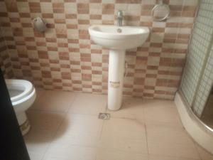 3 bedroom Blocks of Flats House for rent Eletu Osapa london Lekki Lagos