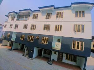 4 bedroom Blocks of Flats House for sale Iponri Surulere Lagos
