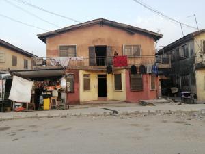 2 bedroom Blocks of Flats House for sale Avis street  Lawanson Surulere Lagos
