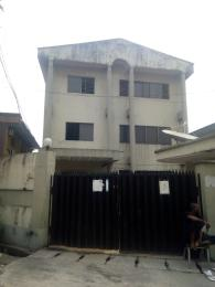 3 bedroom Shared Apartment Flat / Apartment for sale Oyewunmi close Ogunlana Surulere Lagos