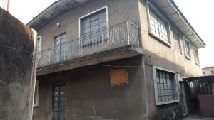 4 bedroom Flat / Apartment for sale Off Sabo, Yaba.  Alagomeji Yaba Lagos