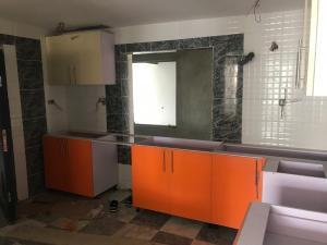 2 bedroom Shared Apartment Flat / Apartment for sale Dada Fayemi Close off Bamidele Eledu Avenue, osapa London, lekki, lagos.  Osapa london Lekki Lagos