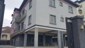 3 bedroom Flat / Apartment for sale Lafiaji Lekki Lagos