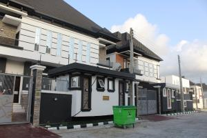4 bedroom House for sale chevy view estate chevron Lekki Lagos