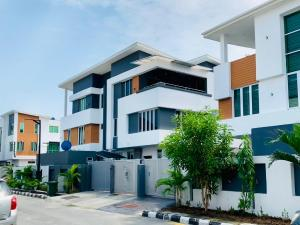 5 bedroom Semi Detached Duplex House for rent Richmond Gate estate by Meadow Hall road Ikate Lekki Lagos