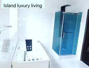5 bedroom Semi Detached Duplex House for sale . Bourdillon Ikoyi Lagos