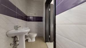 4 bedroom Semi Detached Duplex House for sale Mobil road, off Emerald eatate  Lekki Phase 2 Lekki Lagos