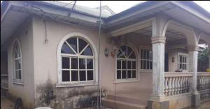 4 bedroom Flat / Apartment for sale very close to road 17 round about Owerri Imo