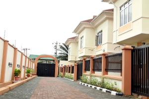 4 bedroom Detached Duplex House for sale Magodo Isheri G R A Phase 1 Estate Magodo Kosofe/Ikosi Lagos