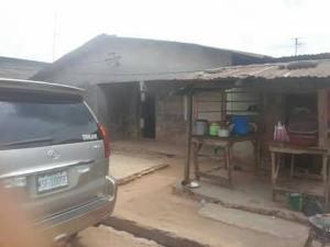 10 bedroom House for sale Yomyom Oko oba Agege Lagos