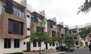 4 bedroom Terraced Duplex House for sale Near Coza Church; Guzape Abuja
